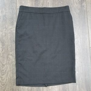 Old Navy Checkered Skirt - size 6